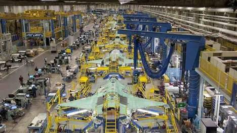 De JSF in de maak bij vliegtuigbouwer Lockheed Martin in Texas.